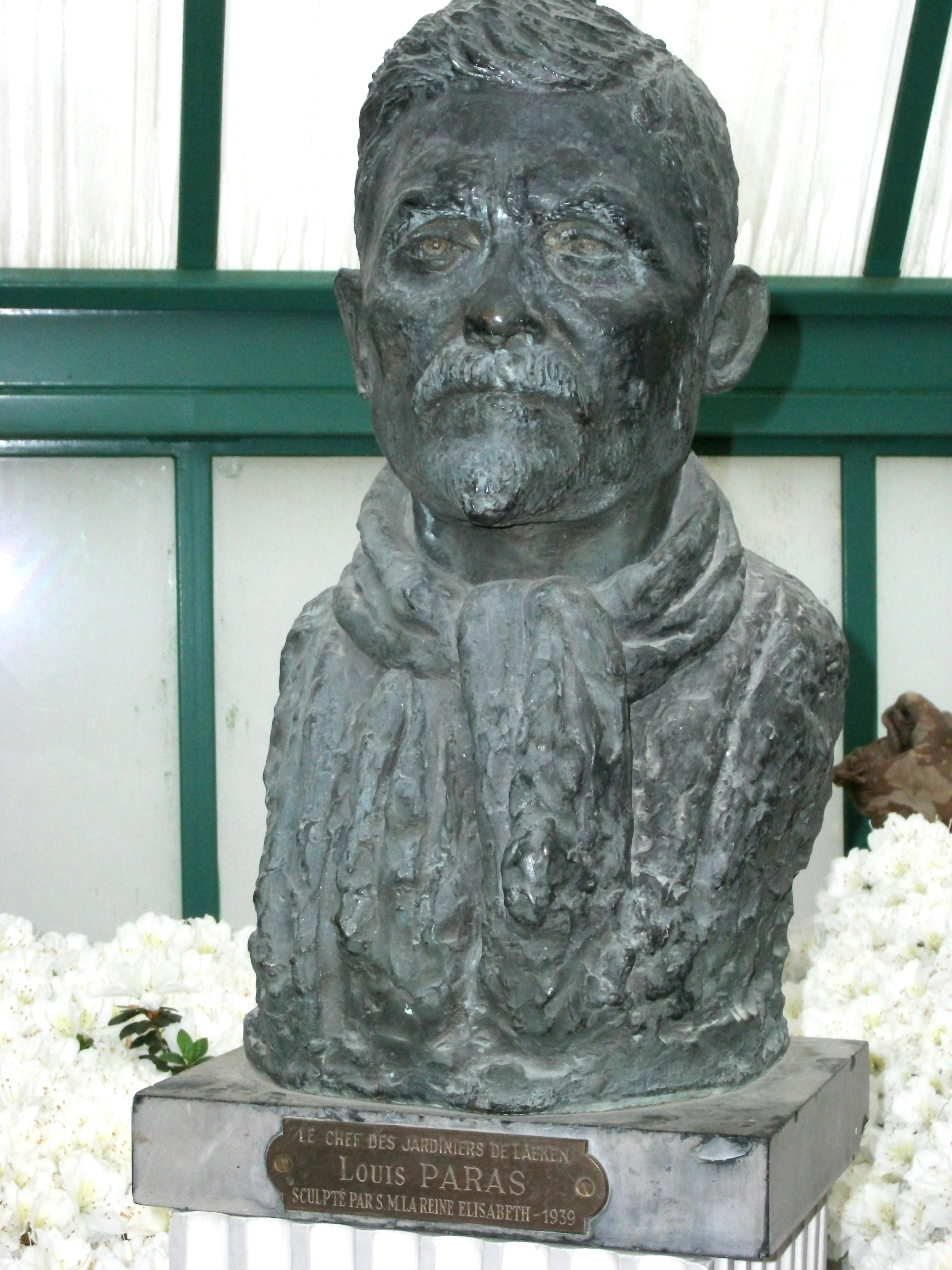 Borstbeeld Louis Paras