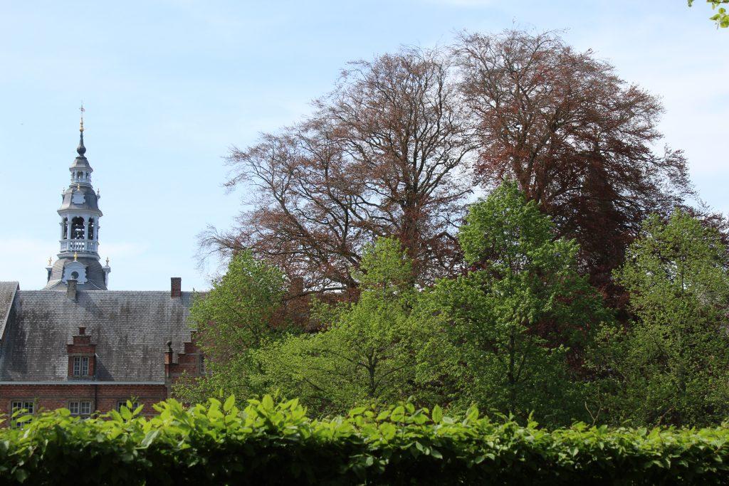 Beiaardtoren abdij van Postel