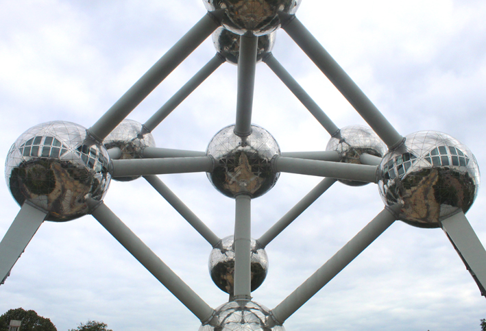 Cristal structure iron The brussels atomium