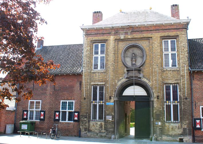 Poortgebouw Begijnhof Stadswandeling in Turnhout