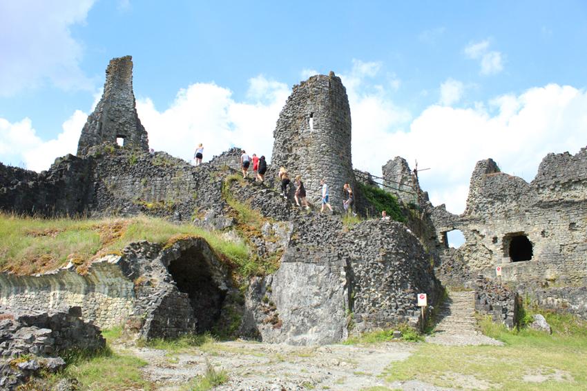 Binneplein ruïnes Montaigle