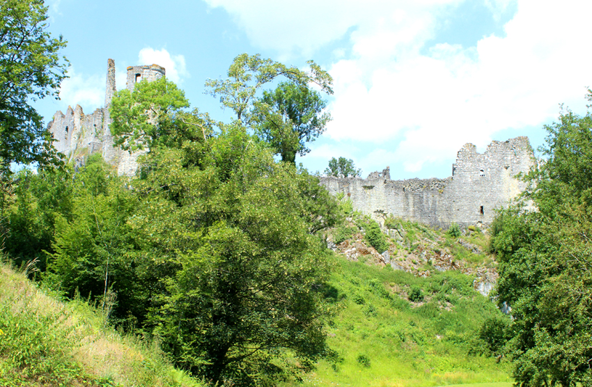 Ruïnes burcht van Montaigel