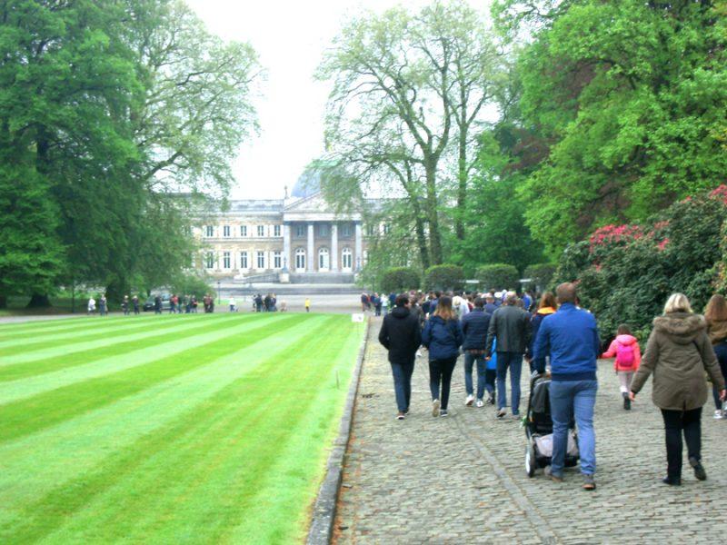 Voorzijde paleis Laken