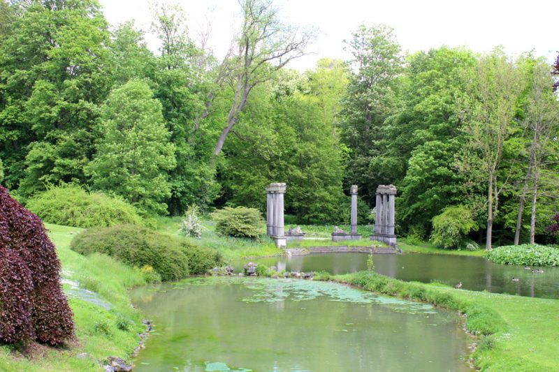 Templeruïne koninklijke tuin Laken